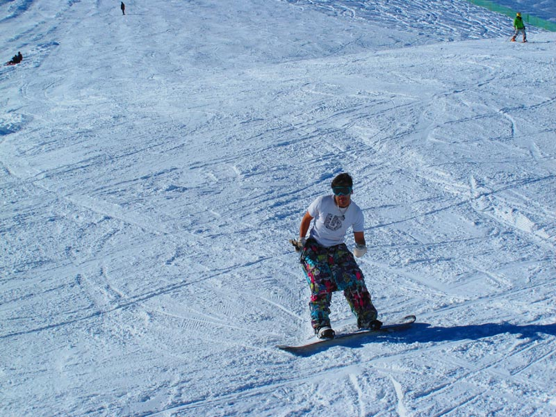 Why You Should Skip Alps to Dizin Ski Resort